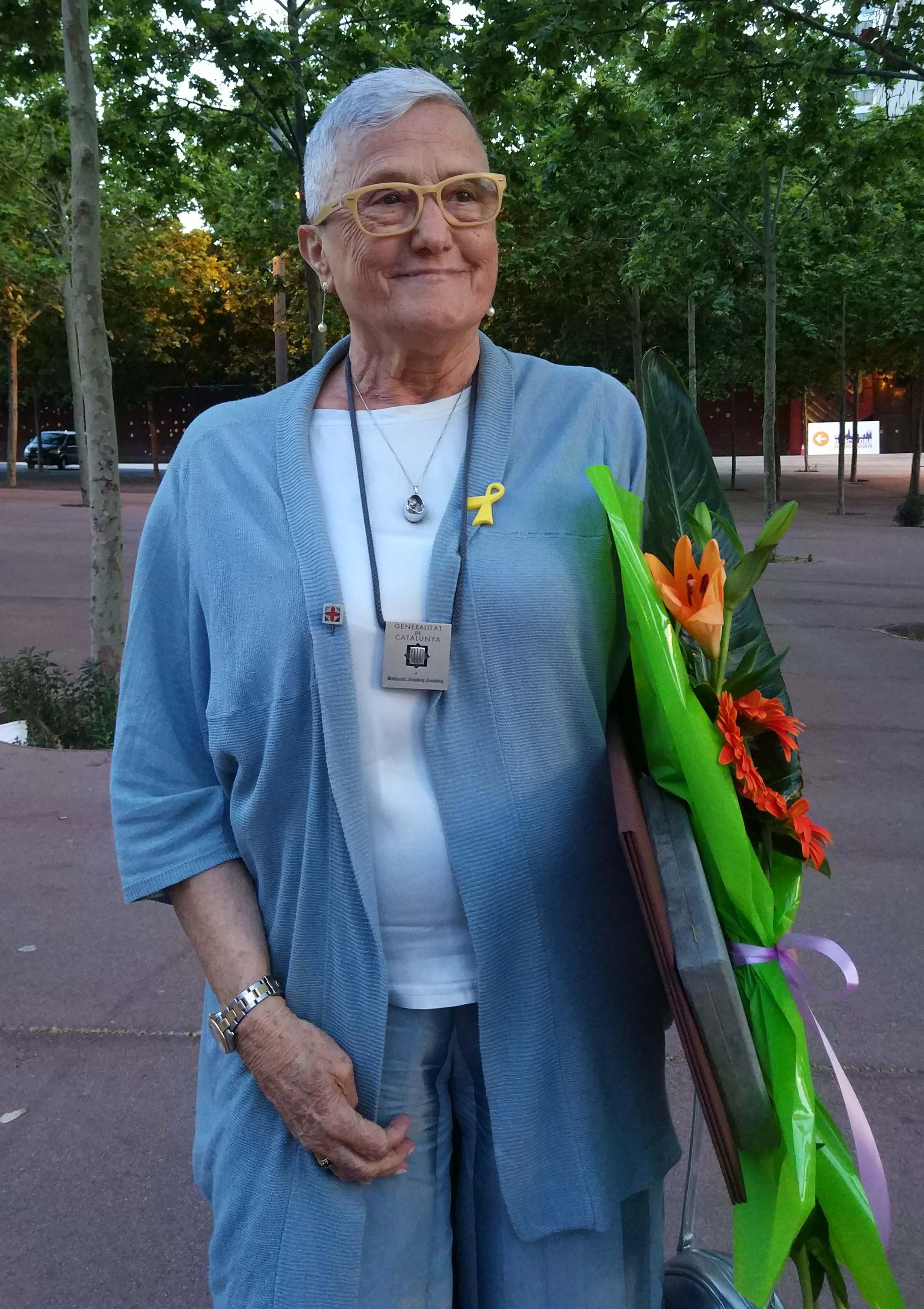 Montserrat Juvanteny - Creu de Sant Jordi - retallada